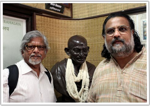 Arun and Tushar Gandhi with 'Bapu'