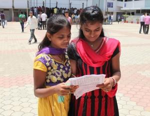 Aruna and Mehndi at Gandhi Center