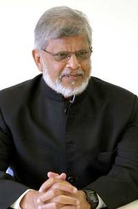 Arun Gandhi helping AVANI in Kolhapur